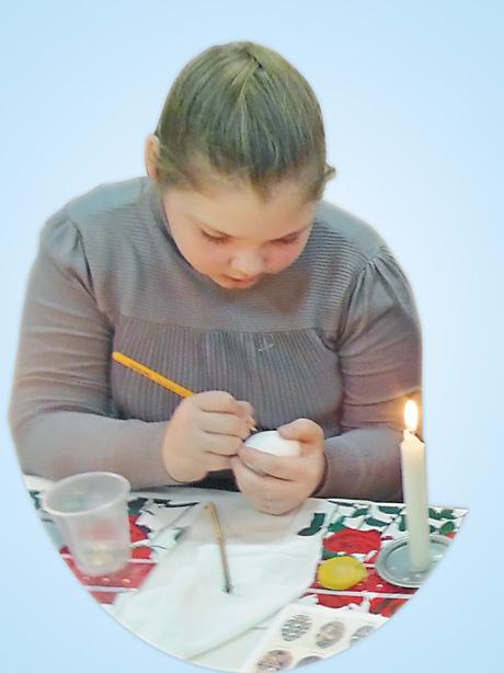 Учениця 4-А класу вже має досвід писанкарства
