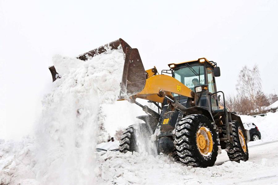 Яценюк: «дядя зКиєва сніг чистити небуде»