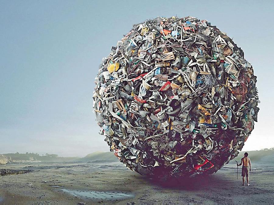 Сміттєзвалища України за площею займають більше території ніж усі заповідники. Загалом українці накопичують 36 млрд тонн сміття, з них понад 10 млрд – токсичні. Фото з сайту ekologia.lviv.ua