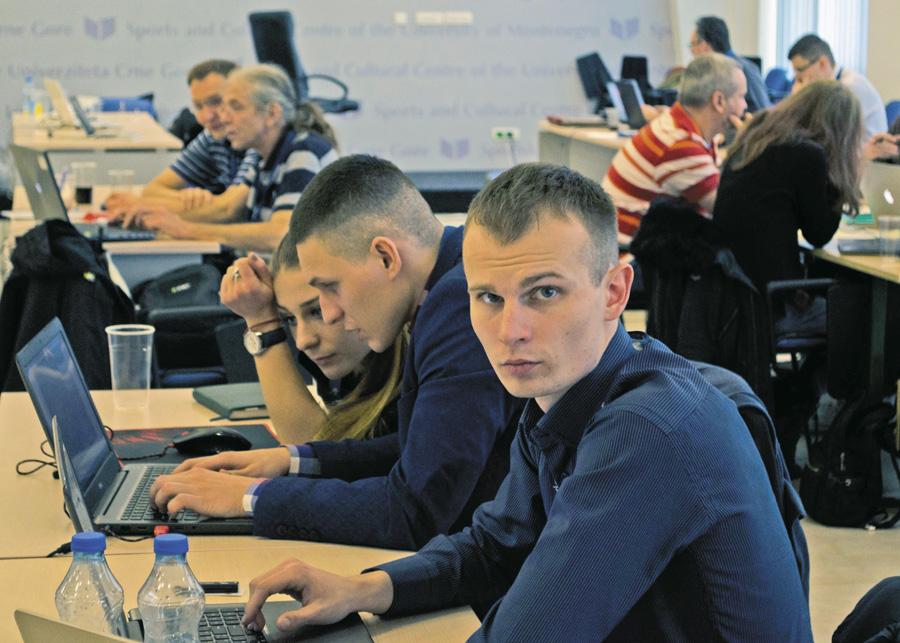 Зв'язківці Збройних сил України посіли переможні місця у змаганні фахівців з програмування НАТО — «TIDE Hackathon 2018». Фото з сайту mil.gov.ua