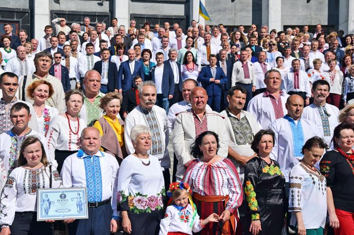 Депутати усіх рівнів вийшли на рекорд. Фото автора