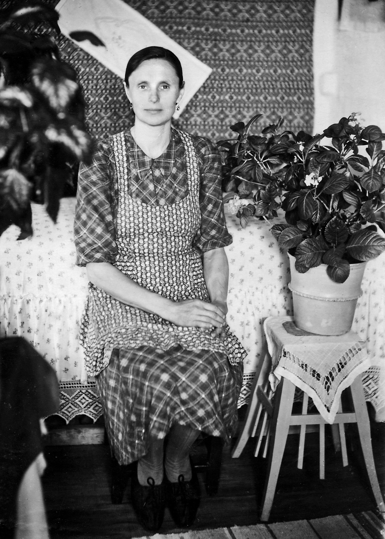 Софія Василівна Колодрівська на засланні. (с. Ситомино, 1945 рік). Фото з сімейного архіву