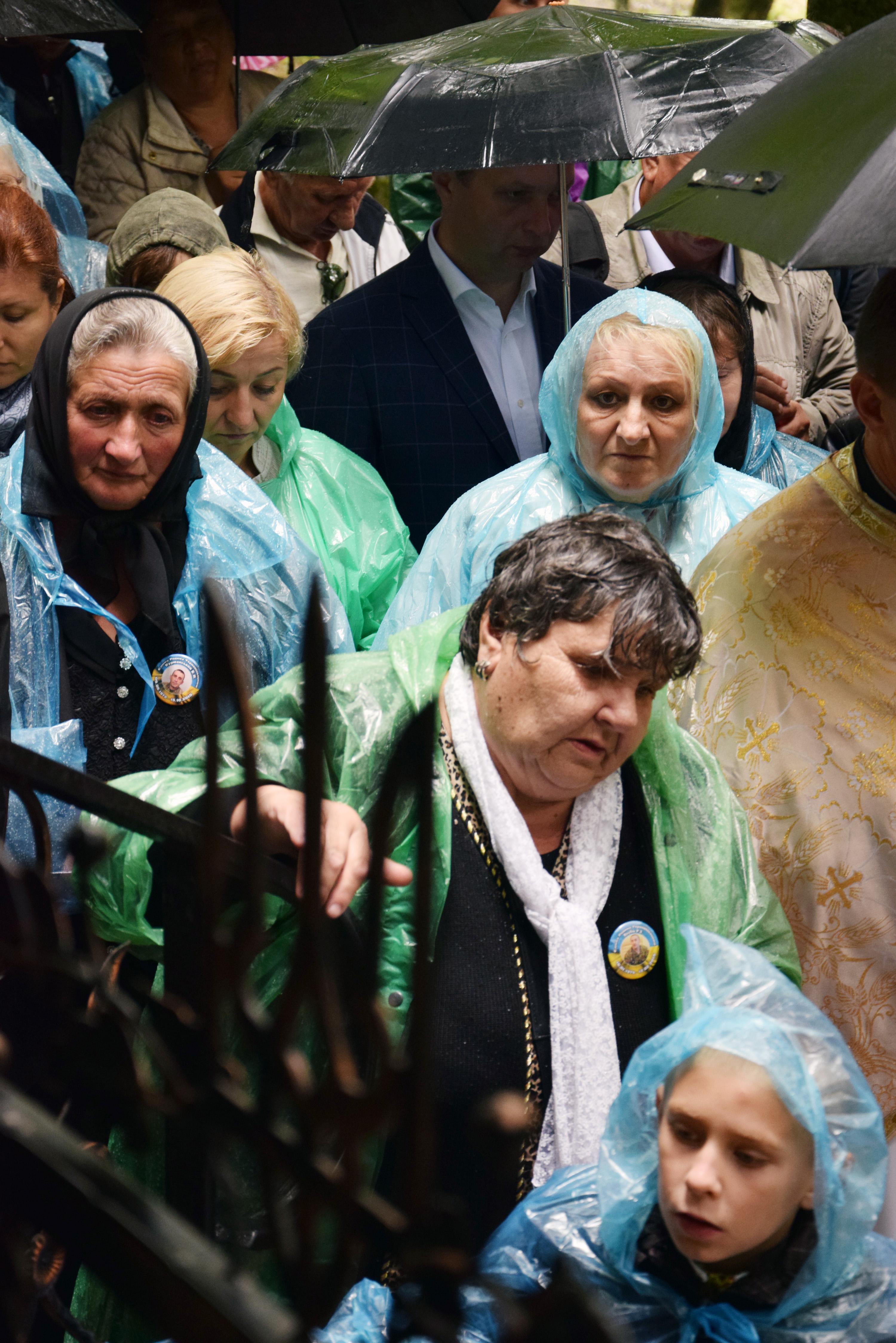 Серед прочан були також матері та рідні Героїв Небесної Сотні й загиблих оборонців української землі на сході країни. Фото автора