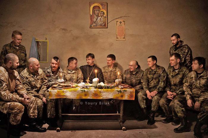 Серед цих дванадцяти точно немає зрадників. Фото з сайту facebook.com/eleos.ukraine