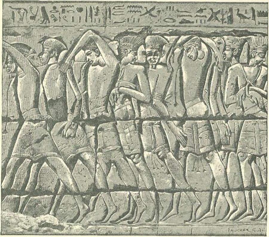 Процессия захваченных египтянами владетелей воинов © Wikimedia commons