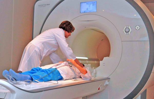 Своєчасні діагностика й лікування гострих станів покликані поліпшити якість життя пацієнтів. Фото з сайту tarifi.info