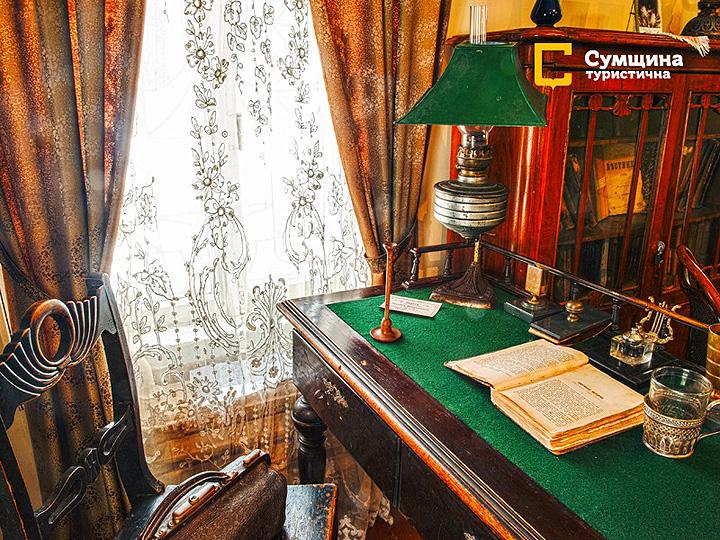 За цим столом сидів Антон Чехов