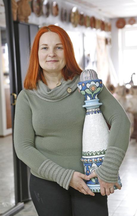 Художниця-керамістка Національного музею українського гончарства в Опішному Зінаїда БЛИЗНЮК