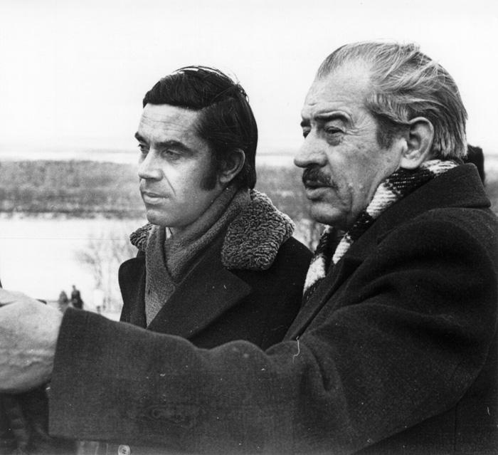 Данило Бакуменко і Петро Перебийніс на Чернечій горі в Каневі, березень 1977 року